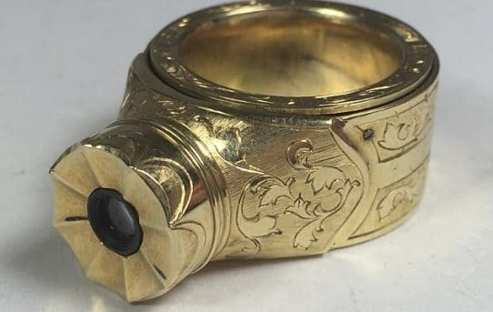 Cold War Russian spy camera-ring goes up for auction for $25,000